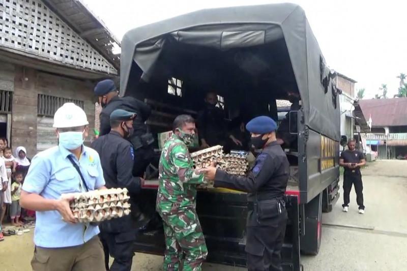 Sat Brimob Polda Aceh antar bantuan ke pelosok desa