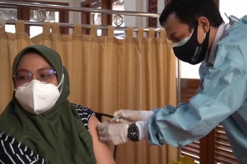 Mal mulai dibuka, Ridwan Kamil akan buka pusat vaksinasi