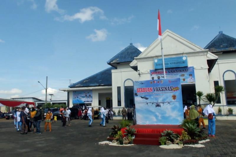 TNI AU sasar pelajar dalam serbuan vaksin di Bandara Jember