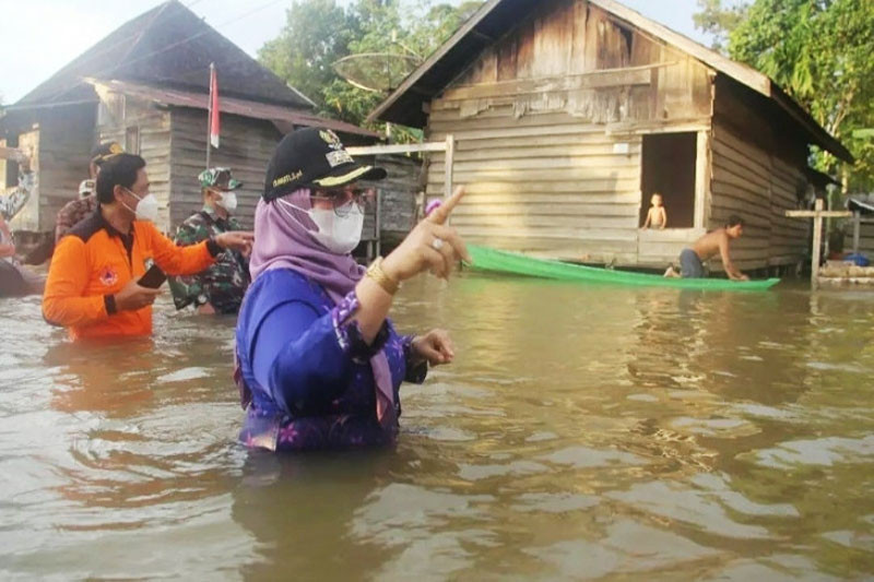 Pendistribusian bantuan banjir di Kotawaringin Timur terhambat medan
