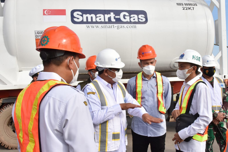 Bantuan 80 ton oksigen dari Kemenkes tiba di Pelabuhan Trisakti Kalsel