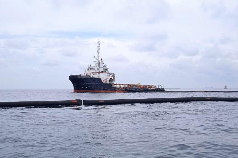Polres Aceh Timur cek tumpahan minyak di perairan Selat Malaka