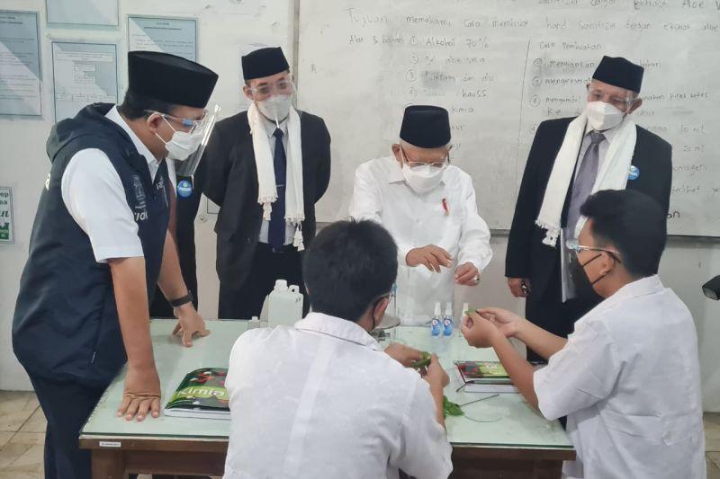 Wapres Ma'ruf Amin meninjau PTM Pondok Pesantren Darunnajah Jakarta