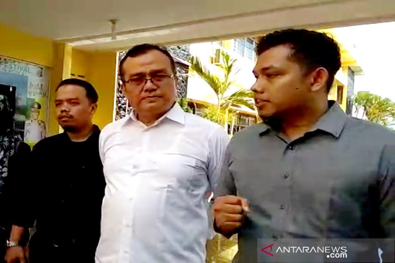 Dosen USK Aceh yang di bui akan mengajar dari dalam penjara