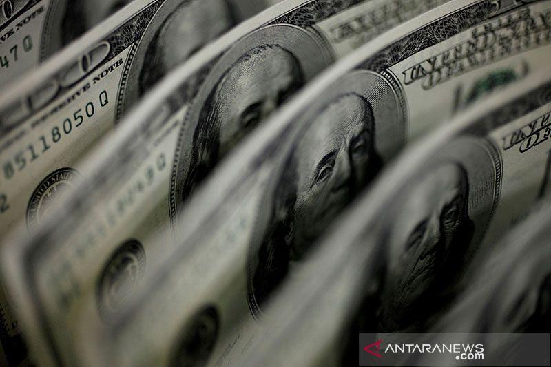 Dolar menguat, ikuti kenaikan imbal hasil obligasi pemerintah AS