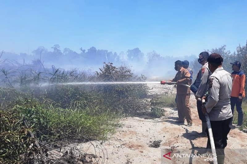 Tiga hektare lahan gambut di perbatasan Aceh Jaya-Aceh Barat terbakar