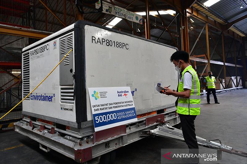 500 ribu vaksin AstraZeneca bantuan Australia tiba di Indonesia