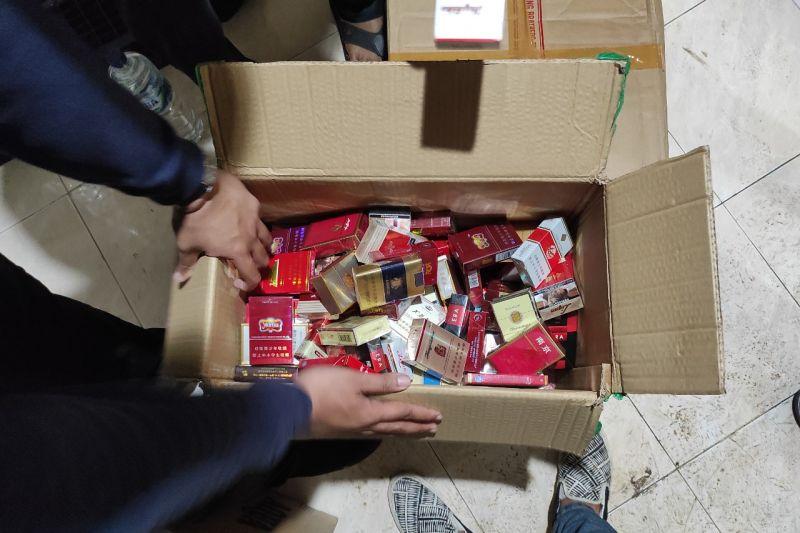 Bea Cukai dan TNI amankan 11,3 juta batang rokok ilegal