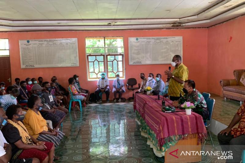 TNI AD jaga pengungsi akibat teror kelompok separatis di Maybrat