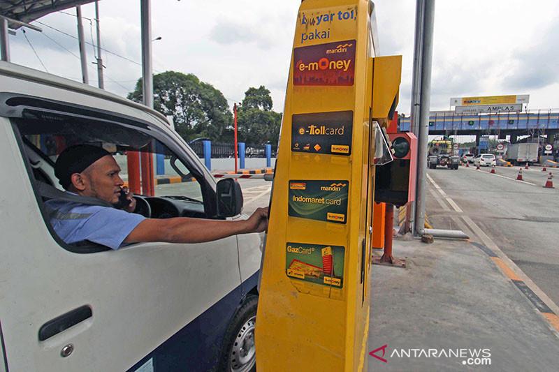 Pemberlakukan Transaksi Non Tunai Jalan Tol 130917 SP - SatuPos.com