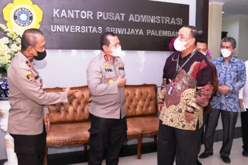Unsri berikan kesempatan beasiswa anggota Polda Sumsel kuliah S2 thumbnail