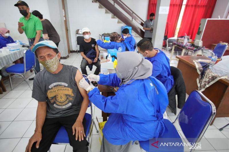 Cakupan vaksinasi COVID-19 di Kota Bandung sudah 70 persen lebih