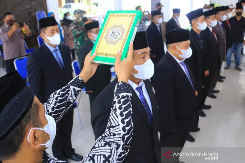 Plt Bupati Probolinggo delegasikan camat lantik 226 penjabat kades