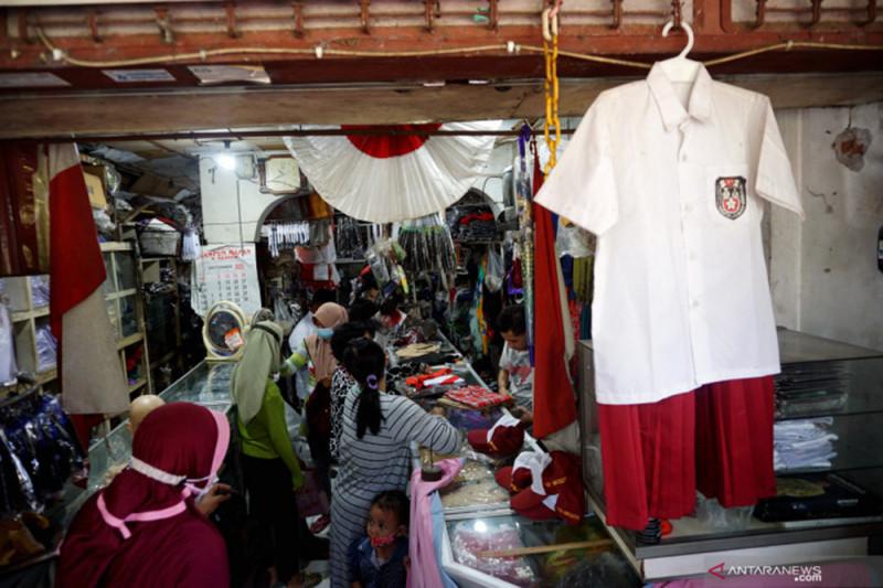 Pemkot Surabaya diminta buat aplikasi digital belanja seragam sekolah