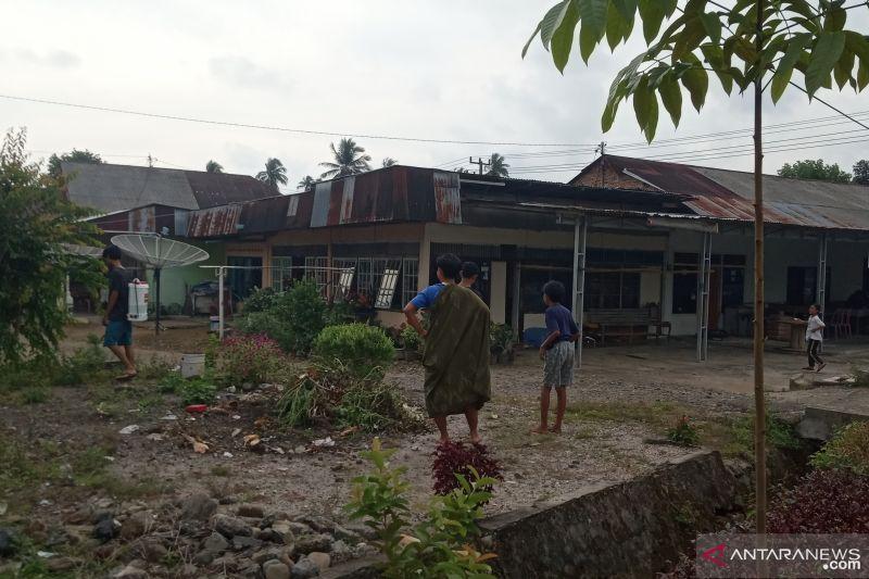 Diguncang gempa 5,3 magnitudo,  warga Agam berhamburan ke luar rumah
