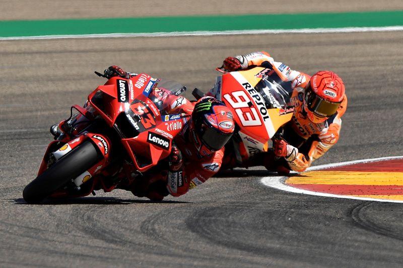 Duel dengan Marc Marquez, Bagnaia raih kemenangan perdana MotoGP di Aragon