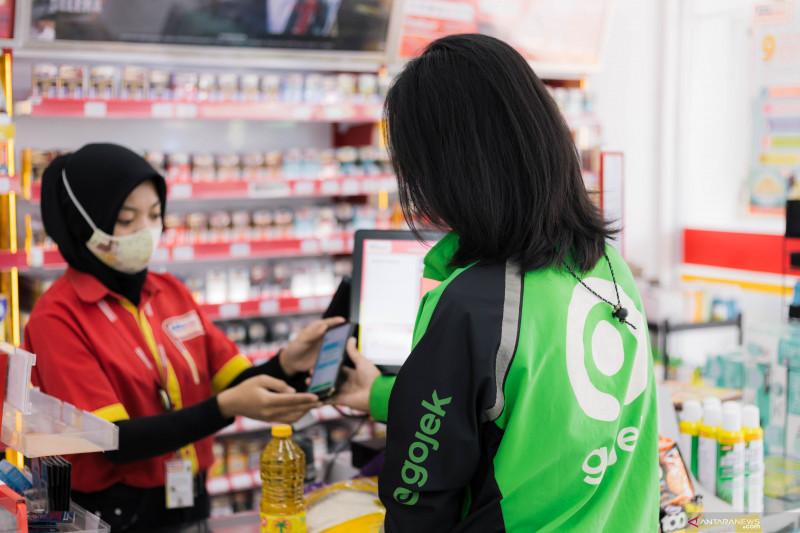 GoPay hadirkan voucher bantuan sembako Alfamart untuk mitra