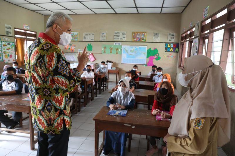 Belum siap prokes, sekolah di Klaten ditemukan Gubernur laksanakan PTM