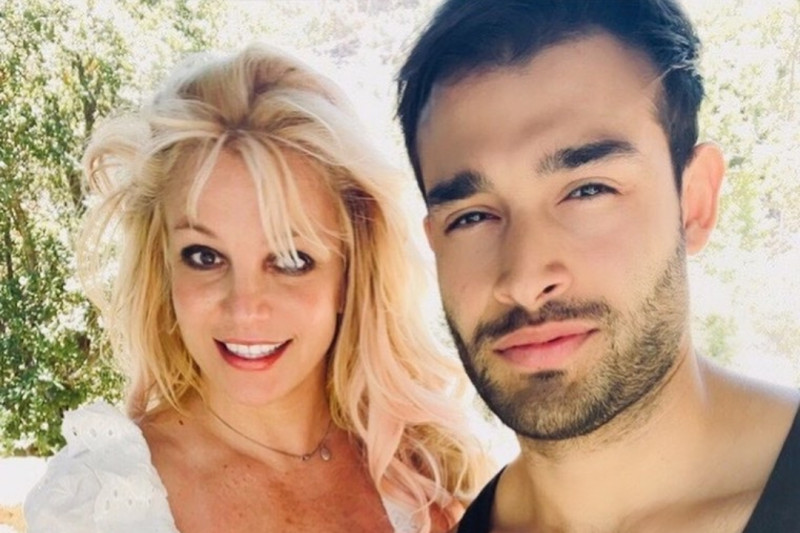 Britney Spears umumkan pertunangan dengan Sam Asghari thumbnail