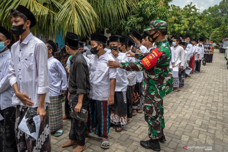 Mabes TNI gelar vaksinasi massal santri