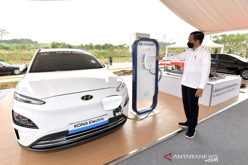 Presiden resmikan pembangunan pabrik baterai mobil listrik