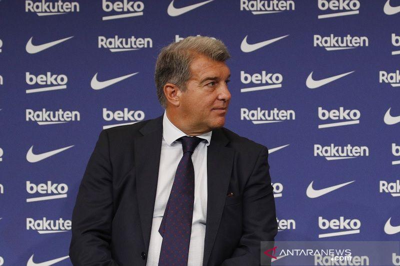 Barca digulung Bayern, Joan Laporta minta suporter bersabar
