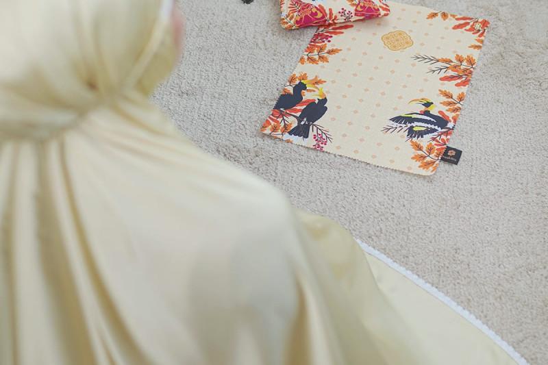 Inovasi batik Nusantara dalam wujud mukena