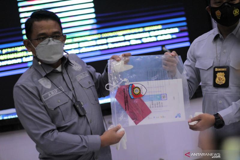 Polda Jabar memburu pemilik sertifikat ilegal vaksin COVID-19