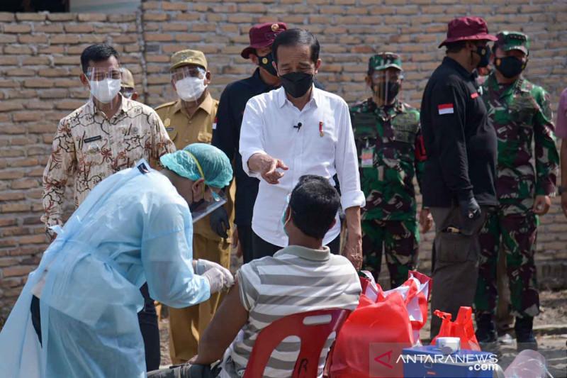 Presiden tinjau vaksinasi COVID-19 di Deliserdang