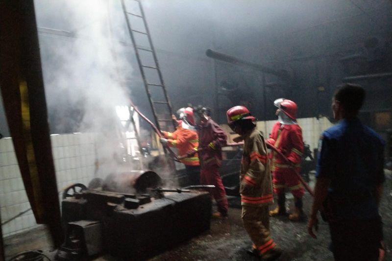 Pabrik pengolahan Kopi AAA di Jambi terbakar