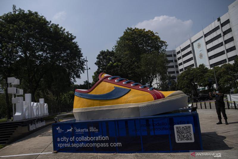 Beri dukungan ke pelaku ekraf, Pemprov DKI Jakarta fasilitasi pemasangan instalasi karya seni
