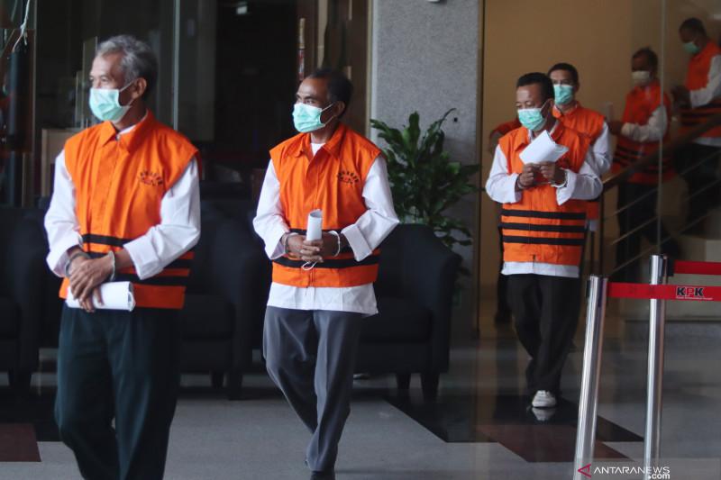 KPK perpanjang penahanan 22 tersangka kasus jabatan Pemkab Probolinggo