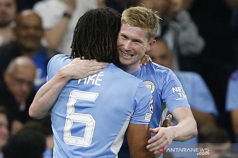 Manchester City cuma punya stok dua bek tengah saat jamu Southampton