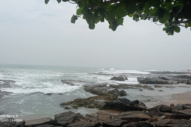 BPBD Banten : Wisatawan waspadai cuaca di pantai selatan