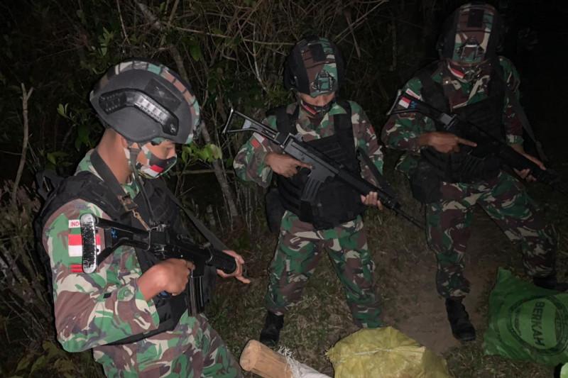 Satgas Pamtas gagalkan penyelundupan Kayu Cendana dari Timor Leste