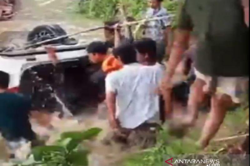 Tiga penumpang mobil tenggelam di Sungai Konaweha Konawe meninggal