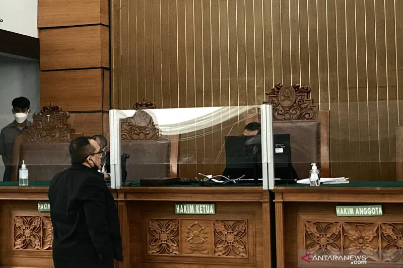 Hakim bacakan surat pencabutan permohonan praperadilan Yahya Waloni
