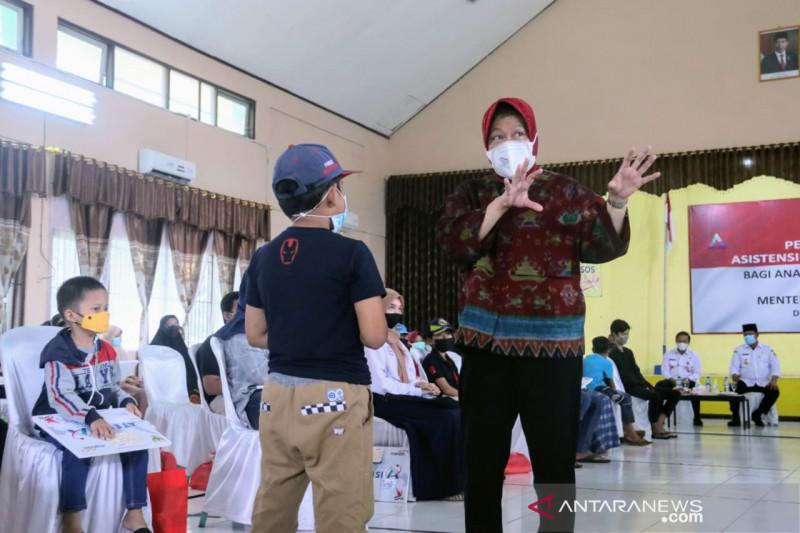 Menteri Sosial semangati anak yatim piatu di Banjarbaru