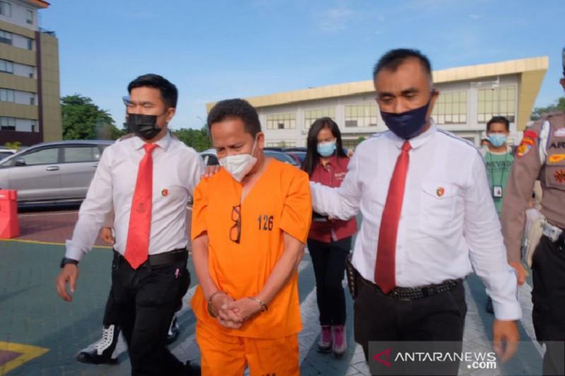 Polda Riau tahan Kepala Dinas Kesehatan Meranti
