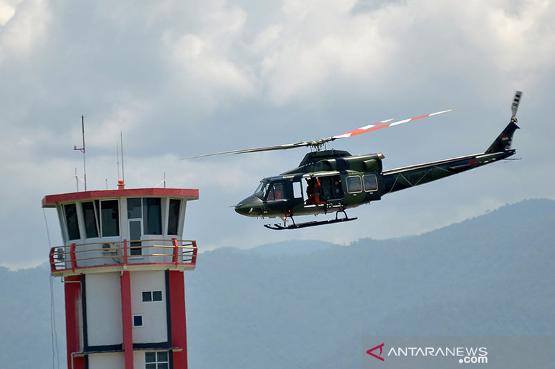 Helikopter dari Penerbad evakuasi jenazah nakes Gabriela dari Kiwirok