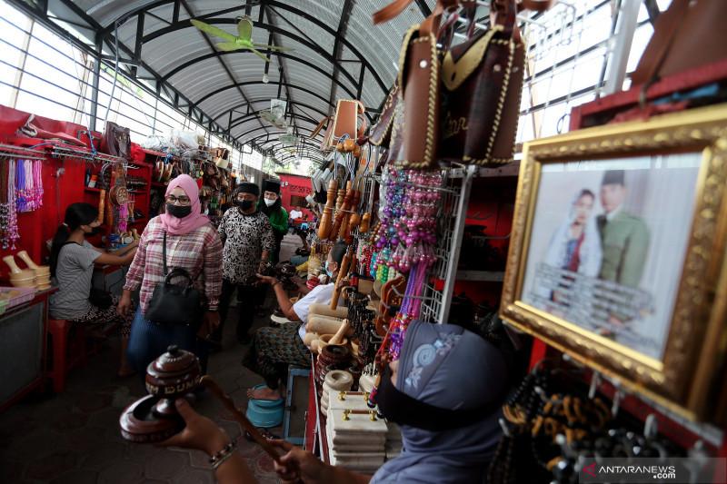 Ujicoba pembukaan kawasan wisata makam Presiden Soekarno di Blitar