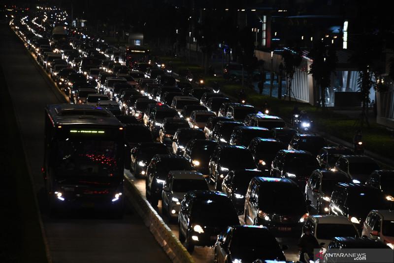 Jakarta belum turun level PPKM karena ditetapkan bersama Jabodetabek