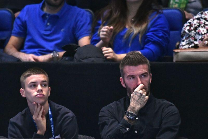 Phil Neville terkesan kepada debut anak David Beckham