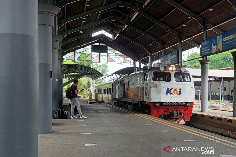 Sebanyak 52 KA Lokal di Daop 8 Surabaya kembali beroperasi hari ini