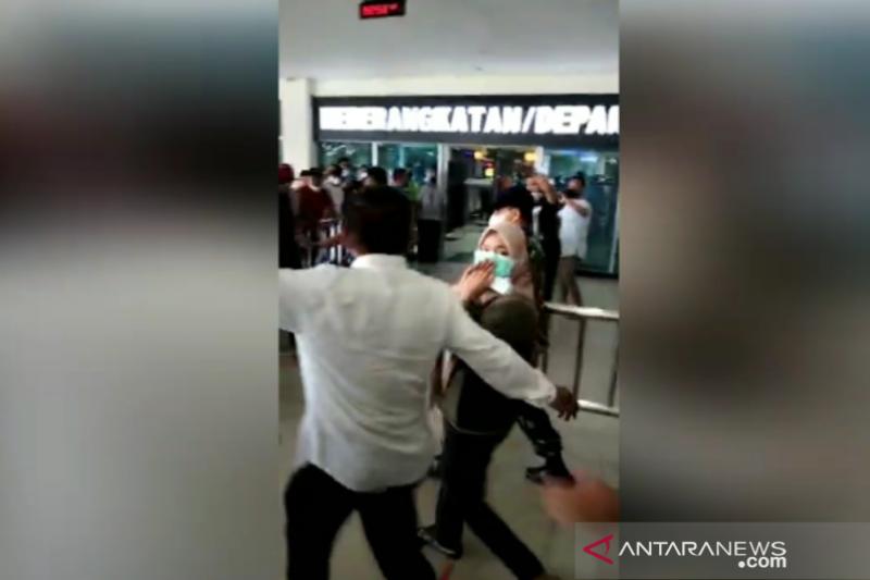Bupati Kolaka Timur diterbangkan ke Jakarta usai diperiksa KPK