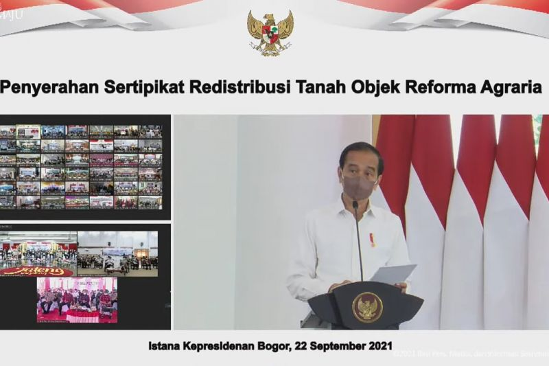 Presiden serahkan sertifikat redistribusi tanah objek reforma agraria