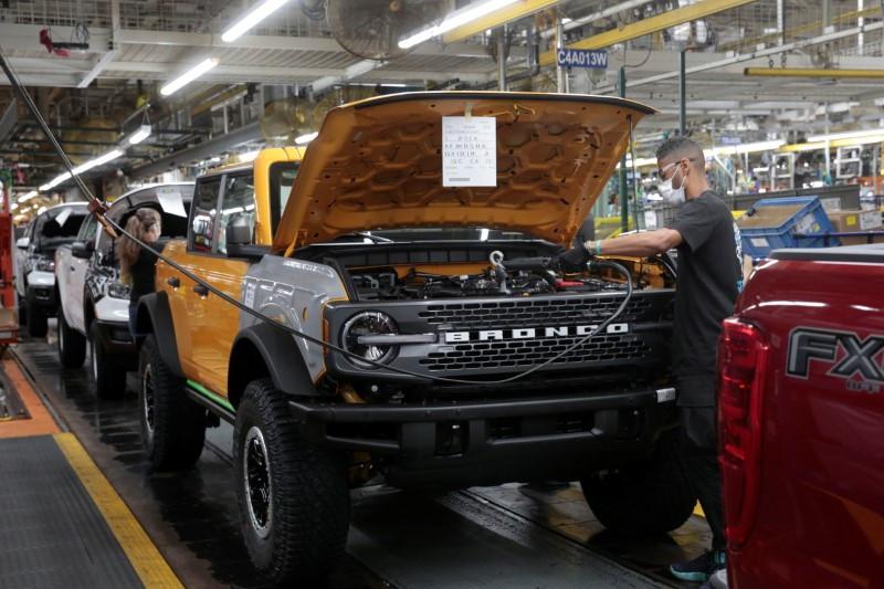 Ford Branco Raptor dikabarkan akan hadir di 2022