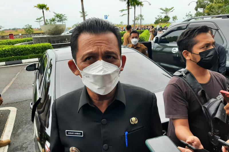 Gubernur Kepri minta TNI AL intensifkan pengamanan laut Natuna