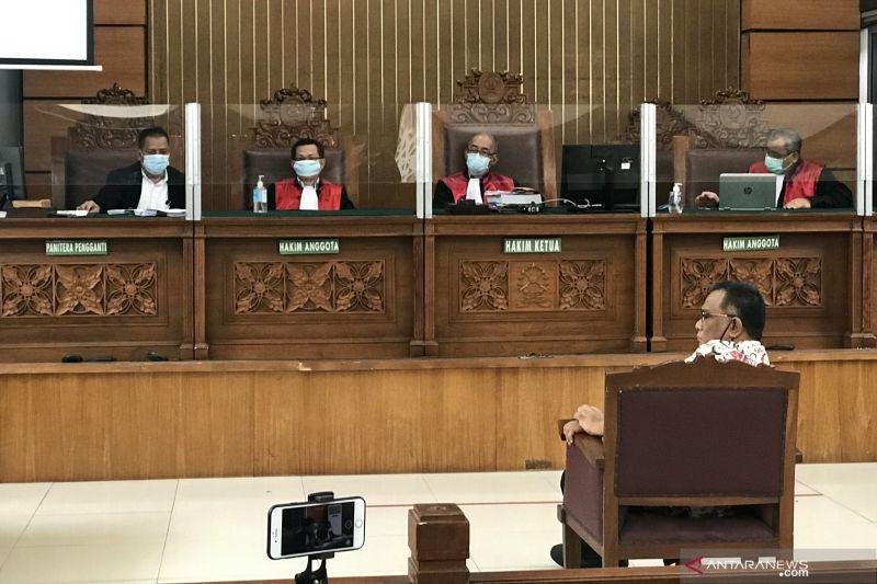Jaksa tuntut Jumhur Hidayat hukuman 3 tahun penjara