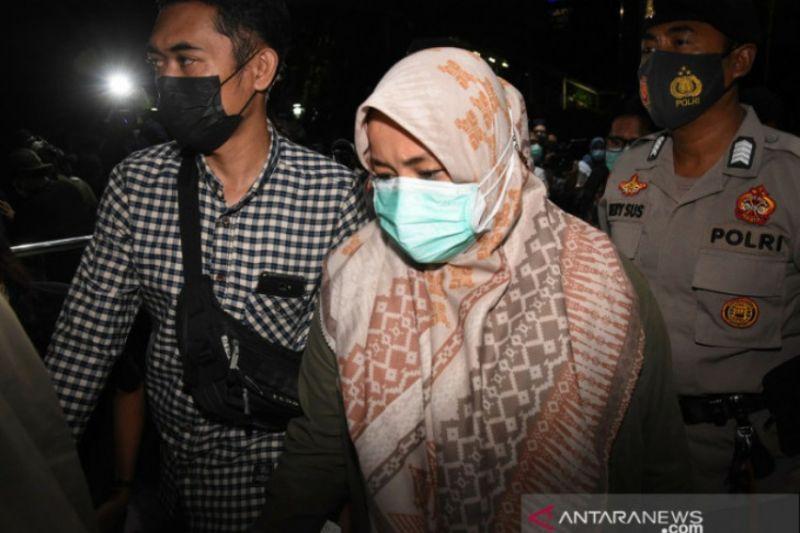 Menilik bupati Kolaka Timur 99 hari menjabat lalu ditangkap KPK